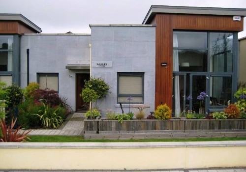 Photograph of ground floor exterior at Hartys Quay Apartments