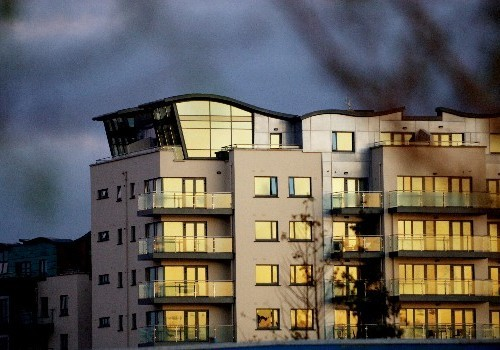Photograph of Jacobs Island Apartments penthouse roofline